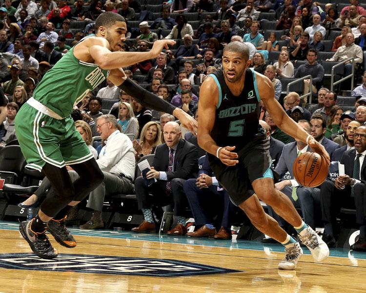 Mismos errores y los Boston Celtics caen contra los Charlotte Hornets