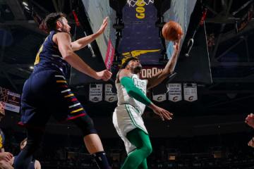 Los Celtics se levantaron en Cleveland y ganaron a los Cavs.