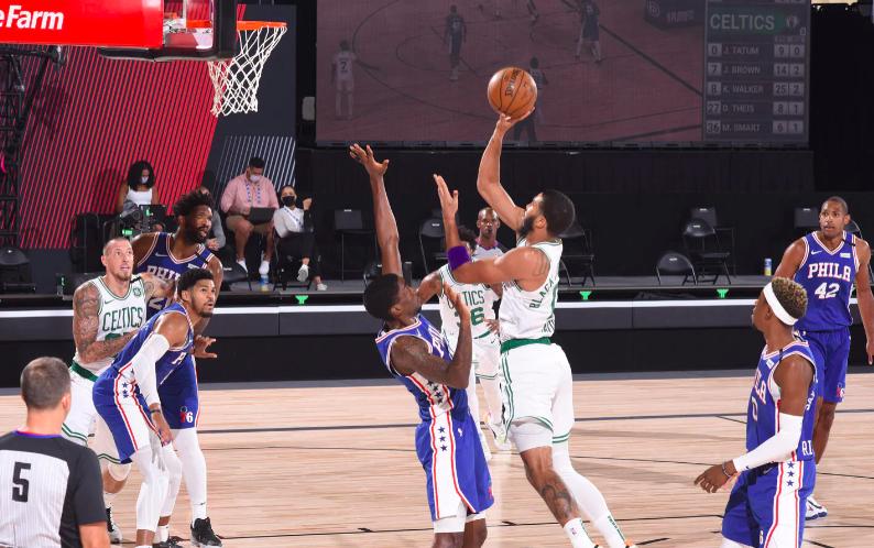 Los Celtics barrieron a los Sixers y van contra Toronto