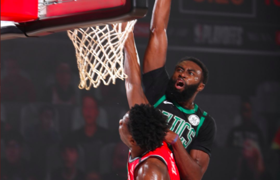 Jaylen Brown lideró a Boston contra los Raptors
