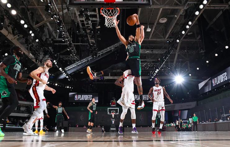 Jayson Tatum en la derrota de los Celtics contra los Heat