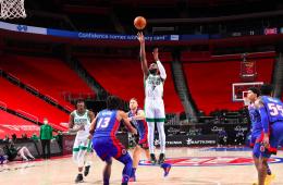 Los Jays, figuras de Boston sobre los Detroit Pistons