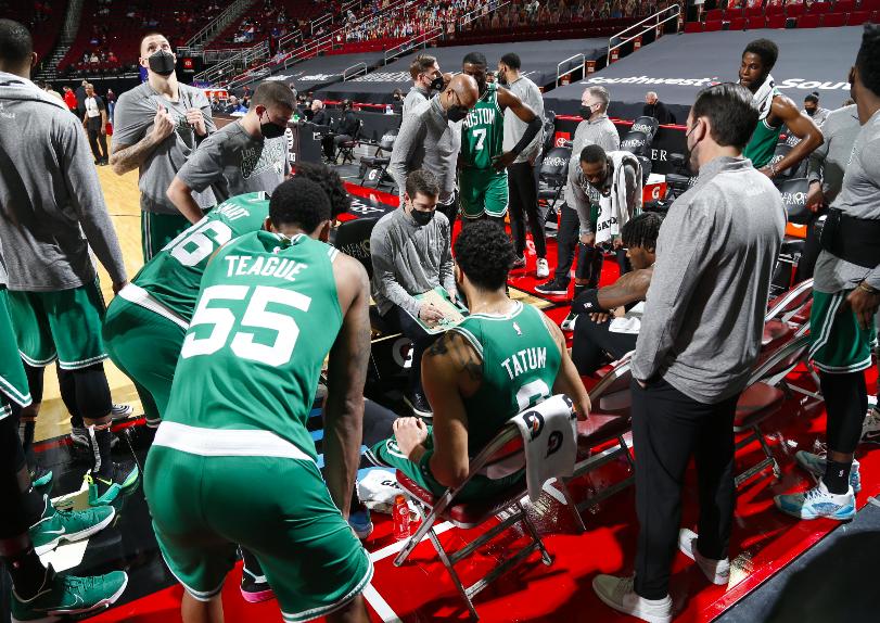 Los Houston Rockets fueron lamentables contra los Celtics