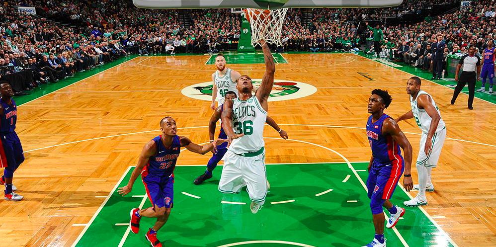 Los Pistons asaltaron el Garden en el regreso de Avery Bradley