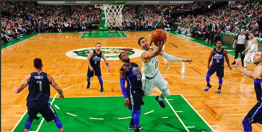 Jayson Tatum brilló para Boston ante los Mavericks