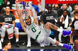 Jayson Tatum la clava contra los Dallas Mavericks en un gran partido de Kemba Walker