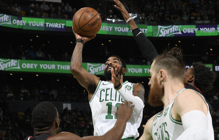 Kyrie Irving sigue descomunal y los Miami Heat caen en Boston