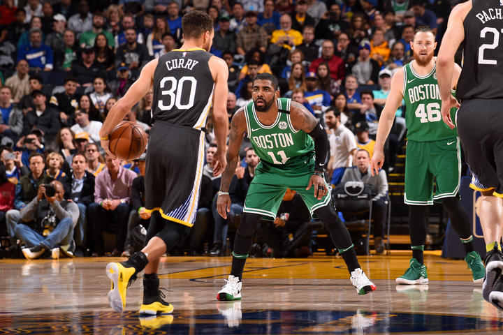 Irving vs Curry, batalla de titanes que perdieron los Celtics