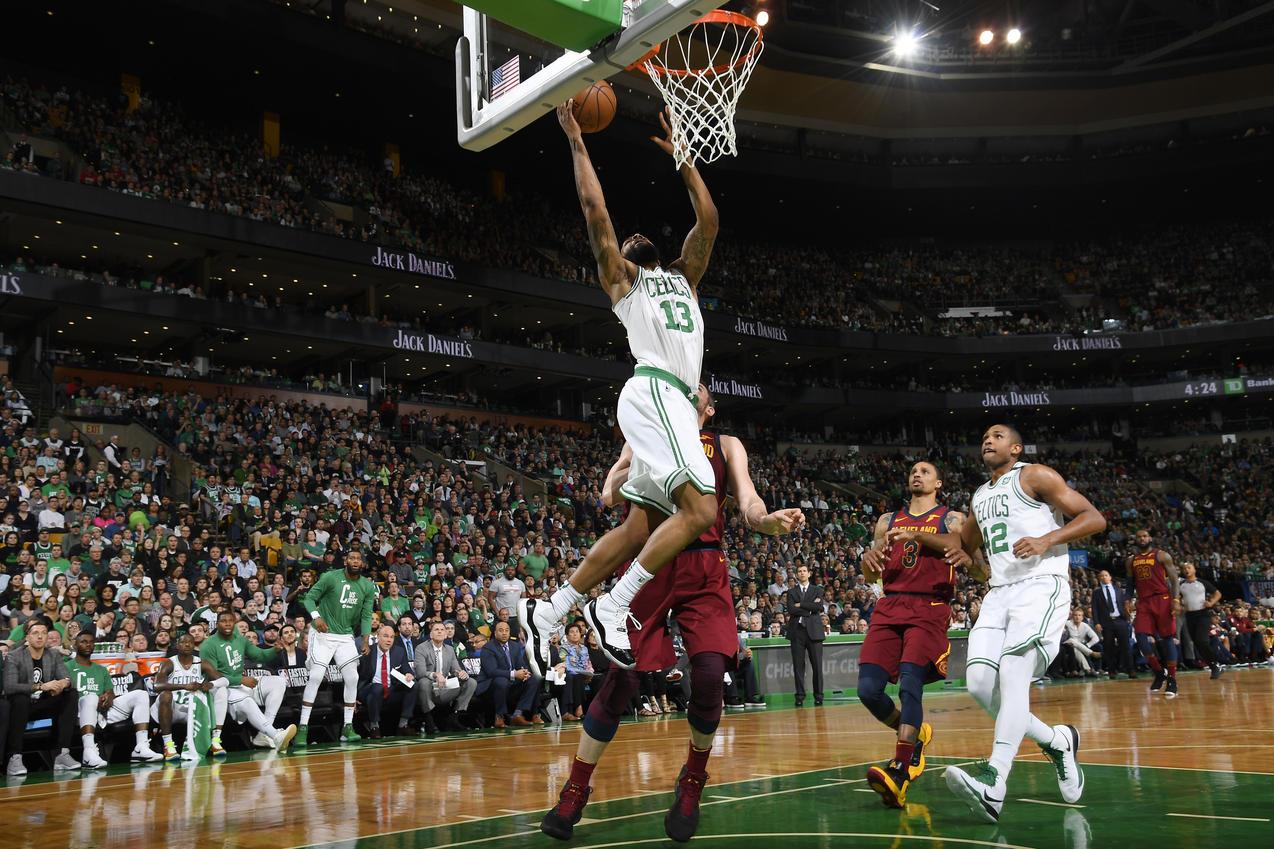Los Boston Celtics fueron liderados por Marcus Morris para liquidar el primer juego contra los Cavs.