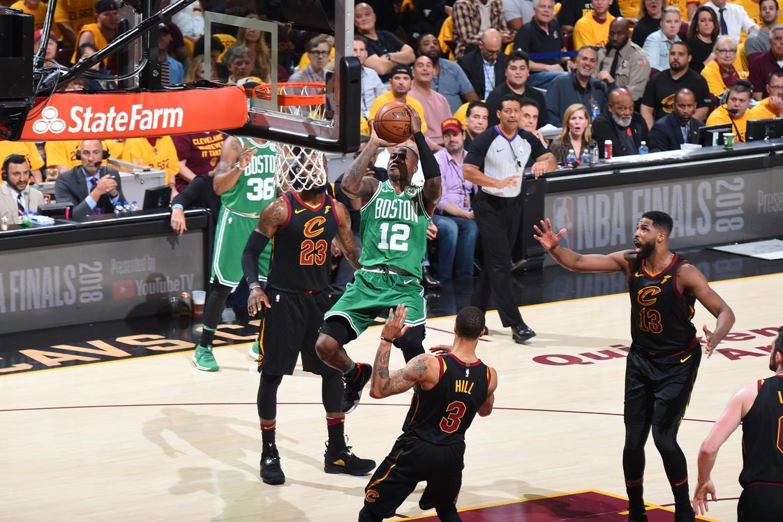 Los Cavs pasaron por arriba a Boston que se vio tibio en Cleveland