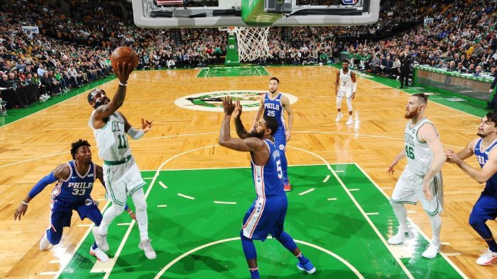 Kyrie Irving se luce y evita males mayores ante los Sixers