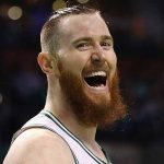 Aron Baynes renueva con los Boston Celtics