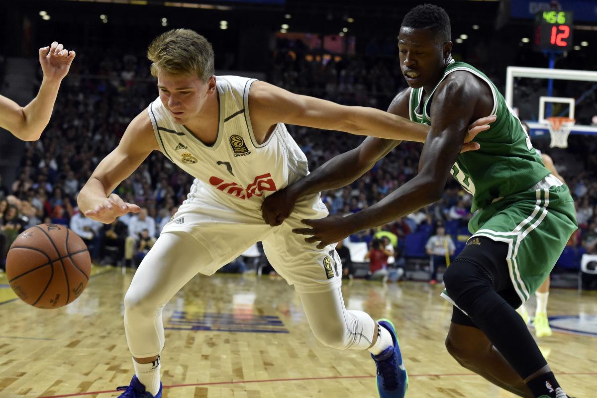 Luka Doncic, uno de los jugadores que podrían ser elegidos por los Boston Celtics en 2018