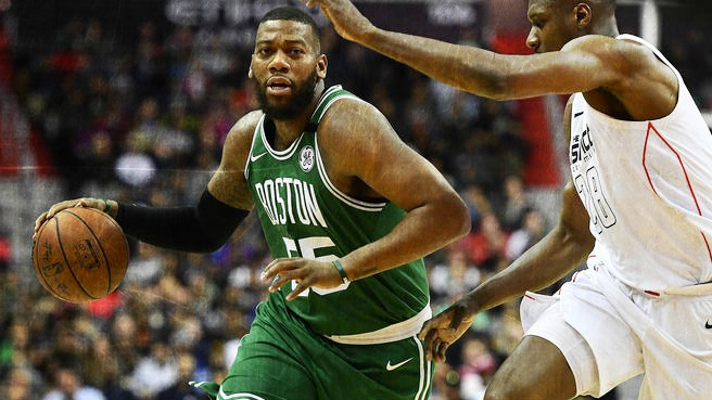 ¿Cómo esconder a Greg Monroe en defensa?